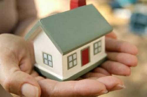 Za hypotéky už češi dluží více než 730 miliard korun. Hypotéky jsou dostupné pro více lidí.